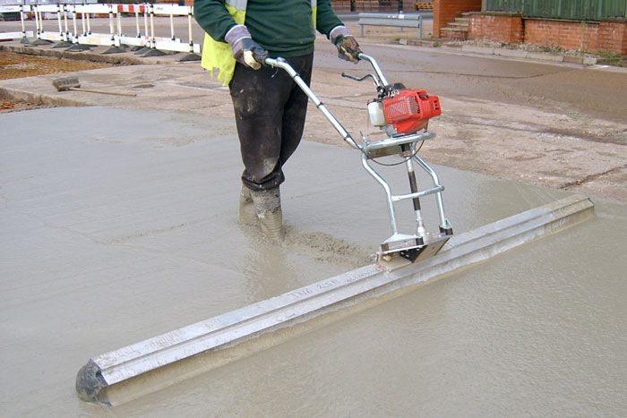 Штыковать бетон температура бетонной смеси при прогреве
